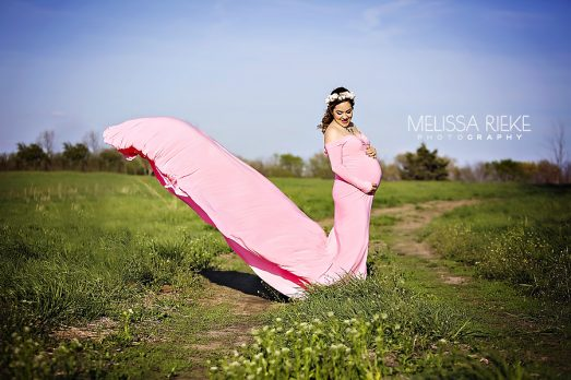 Outdoor Farm Maternity Session