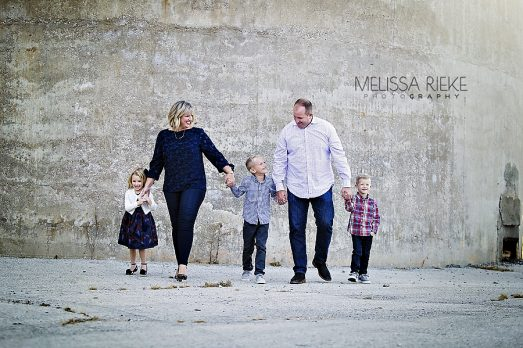Fun Family Photos with Little Ones in Kansas City Happy Smiles Pictures