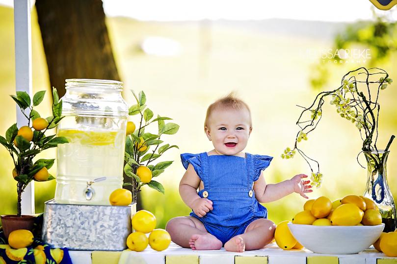 Lemonade Mini Sessions Kansas City Childrens Photographer Summer Lemons