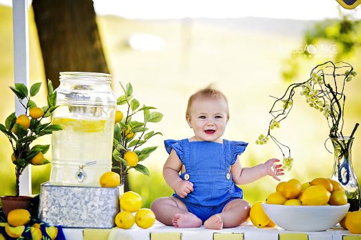 Lemonade Mini Sessions Kansas City Childrens Photographer Summer Lemons